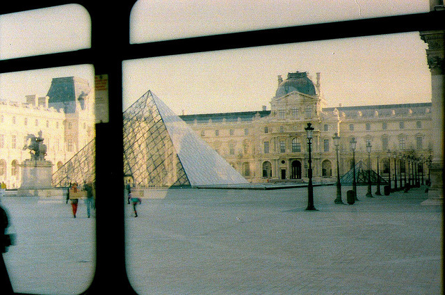~39/117. //35/2c/214/20.f - THE LOUVRE MUSEUM, PARIS 1996 by EUROVIZION on Flickr.
