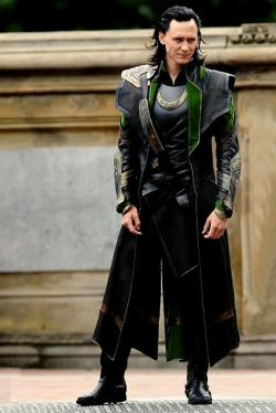 Oh, your stupid hair, Loki. <3333