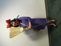 My friend Merry as Kiki, from Kiki's delivery Service! She's so adorable * - *