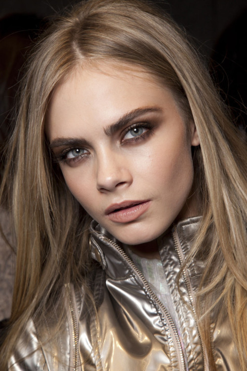 regrets-mistakes-and-fashion:  Cara Delevingne