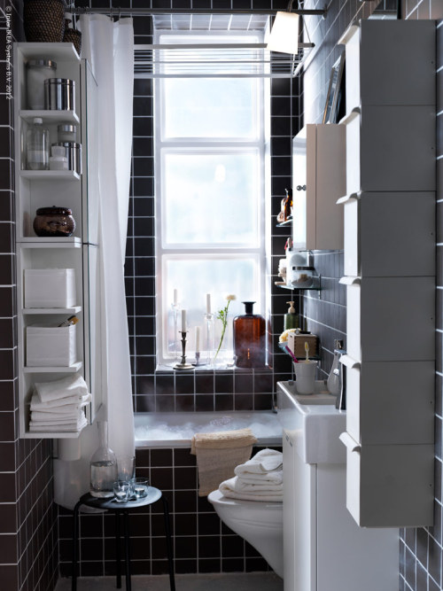 myidealhome:  well organized mini-bathroom (via IKEA)