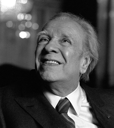 Il sorriso di Borges The smile of Borges. A moment of stop in the usual stream .