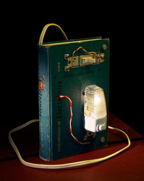 Switchable Book Light By J. Sauer