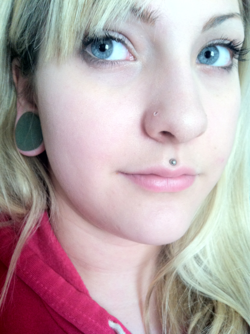 Aventurine teardrops and my face :3