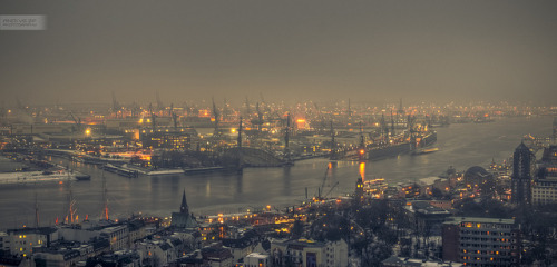 misty view of the harbor by andi.vs.zf on Flickr.