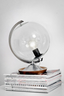 myidealhome:  DIY: how to transform a globe in a lamp (via Trendenser)