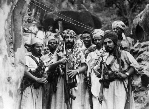 deafmuslimpunx:  Mohammed El-Badr with Royalist Tribesmen, in Yemen, during the 1960s. Photo by Bettman