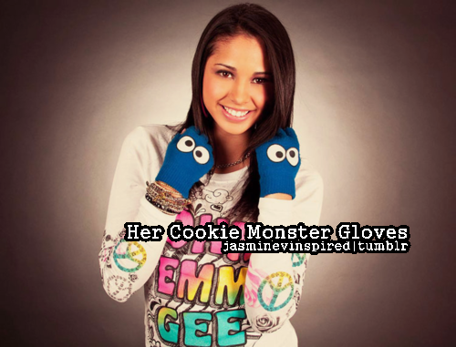 her cookie monster gloves