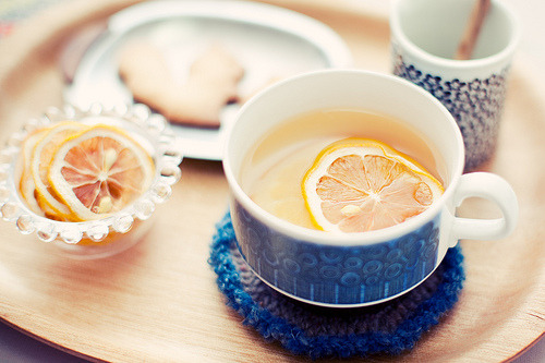 libere:  Organic lemon tea (by fotografer_san)