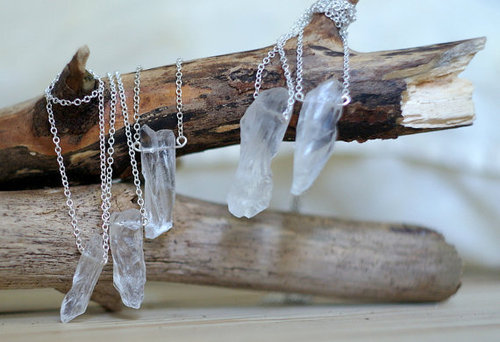 odysseyofmymemories:  Raw Crystal Quartz Point Pendant Necklace
