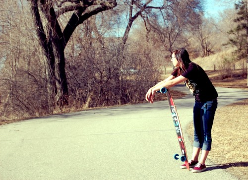 alyssanikkic:  Me and my longboard.