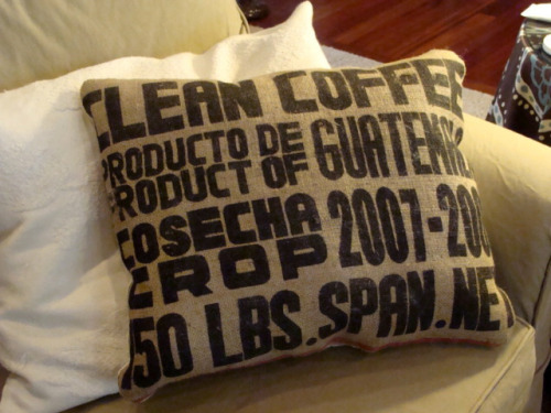 tejinastoybox:  Burlap Coffee Sack Pillow by The Stitchin Chicken on Flickr.