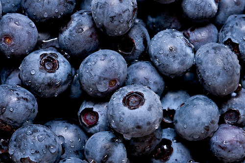 peaceloveandskinnyy:  blueberries are my favorite! sooo refreshening!