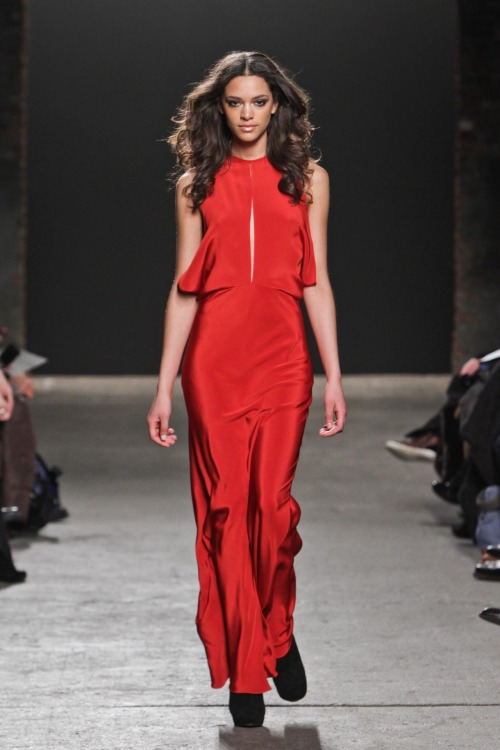 yourmothershouldknow:  Rolando Santana Otoño/Invierno 2012 Semana de la Moda de Nueva York ….. Rolando Santana Autumn/Winter 2012 New York Fashion Week