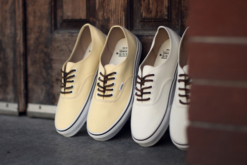 Vans Authentic CA Brushed Twill Gonna get the pale yellow ones for sure…