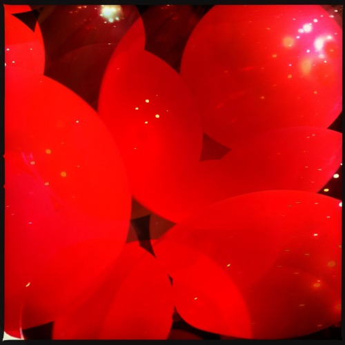 glass-cumquat:  Nena's NightmareAbstract - Fortitude Valley - Balloons shot using Hipstamatic