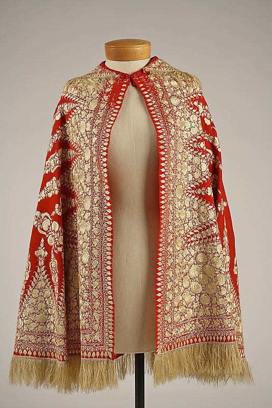 Cape Date: 1850s Culture: European (probably) Medium: wool, silk Dimensions: Length at CB: 33 in. (83.8 cm)