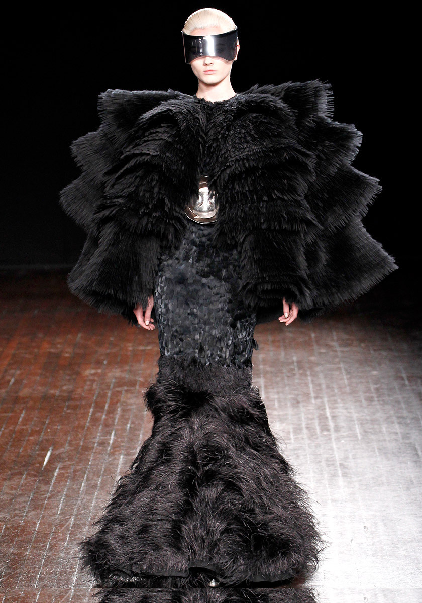 vogue:  Alexander McQueen Fall 2012 Photo: Monica Feudi/feudiguaineri.comVisit Vogue.com for the full collection and review.