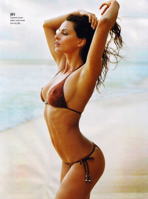 Catrinel Menghia in a bikini. Just nice. More Photos of Catrinel? Sure, click here.