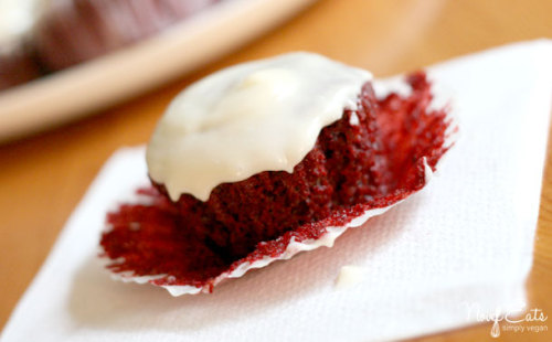 libertinesveganisms:  Vegan Red Velvet Cupcakes Click here for recipe