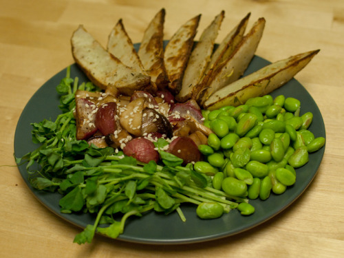 Dinner 1/2 cup edamame: 120 calories potato wedges: 150 calories roasted radishes and king mushrooms: 75 calories 20g pea shoots: 10 calories Total: 355 calories  Snack Special K fruit crisps: 100 calories Day Total: ~1,550 calories