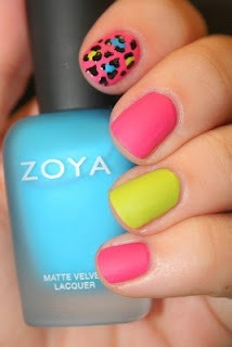 Spring inspired nails polish