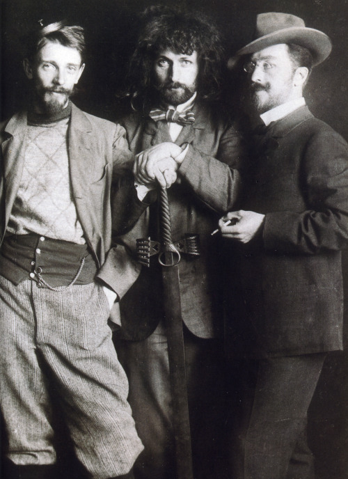 beardbriarandrose:  Vasily Kandinsky (right), Dmitry Kardovsky (center), A. Seddeler (left) in the Azbe-Schule, Munich, c1897