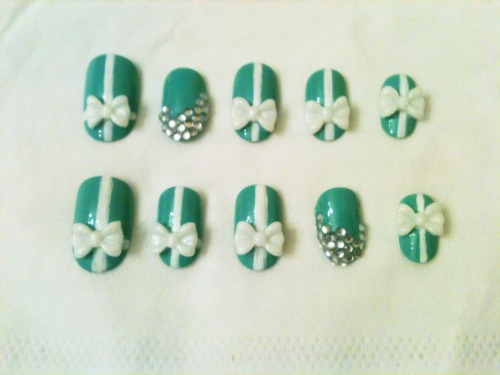 Breakfast at Tiffanys nail set.