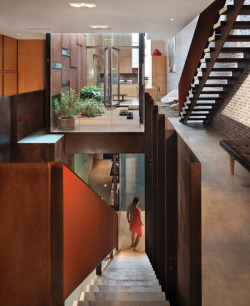 homeandinteriors:   creation of Dean-Wolf Architects of New York
