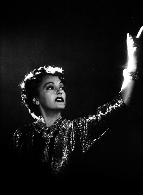 All right, Mr. DeMille, I'm ready for my close-up. — Norma Desmond, Sunset Boulevard (1950)
