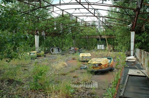 creepypastafactory:  …. Remember the Silent Hill theme park…
