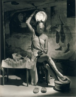 adski-kafeteri2:  Electric Beauty - Horst P. Horst, Paris 1939