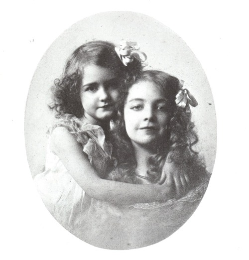 kylarose:  Dorothy and Lillian Gish, a childhood portrait I scanned from the book Dorothy and Lillian Gish.