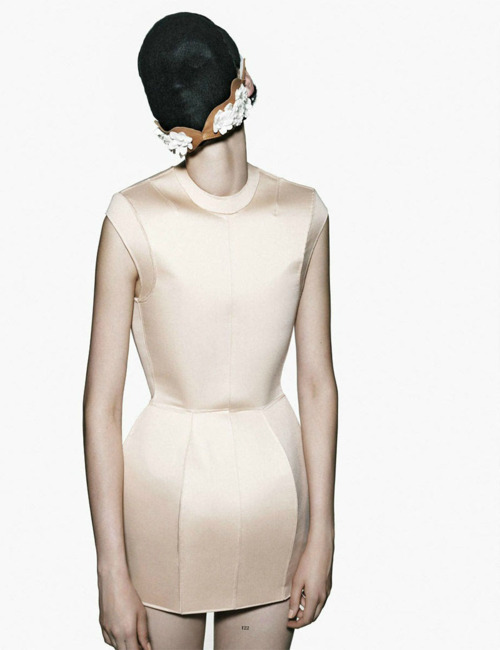 style-is-vital:  jaiete:  PHOTOGRAPHYKatlin Aas by Armin Morbach Tush, f/w 2011  Want more fashion pictures? Check out http://style-is-vital.tumblr.com/ http://vogue-is-viral.tumblr.com/