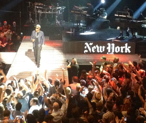 "jennydeluxe:  thedeadline:  Jay Z appropriating the NYT logo for ""Empire State of Mind.""  this is my new everything  Awesome"