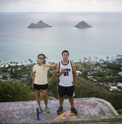hike pillboxes // kailua, hi // rolleiflex 2.8e lanikai pillboxes was a fun hike. scenery was really sweet. Coming down was super tough though since it started raining… this was the first pillbox stop. fun times :]