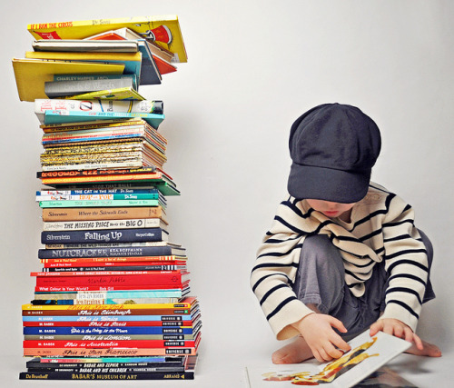 aziaazia:  KLT - vintage stack/reading by klt:works on Flickr.