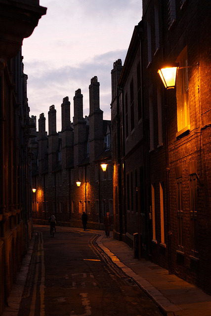 ysvoice:  | ♕ |  Cambridge streets at dusk  | by © Thomas Heylen