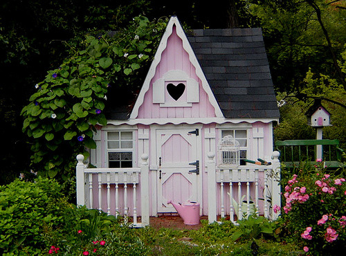 bunnybrain:  Pink Fairy Cottage (by Treasured Heirlooms)