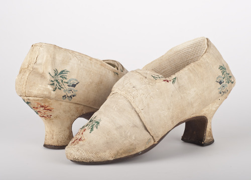 18th Century Shoes Photo: Frank Pedersen www.dengamleby.dk