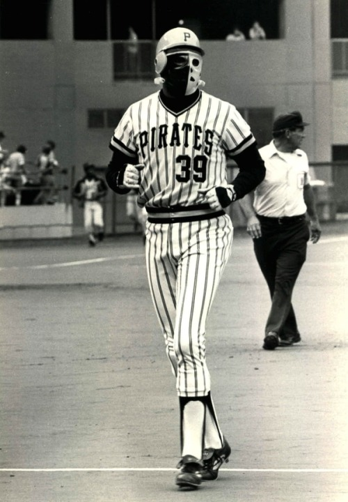 thescore:  When Baseball Players Were Tough… In 1978 the Pittsburgh Pirates' Dave Parker donned a goalie mask after fracturing his jaw and cheekbone in a collision.
