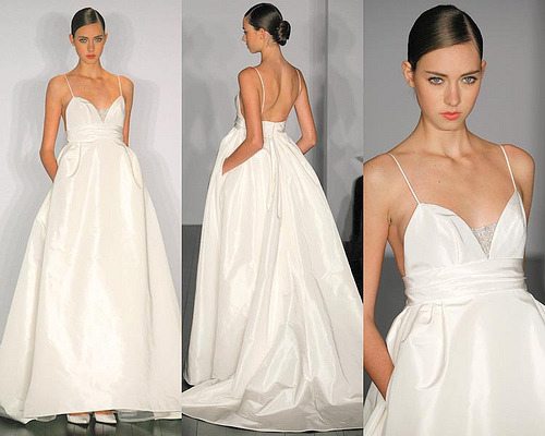 myavalanche:  SUCH A GORGEOUS DRESS! Vera Wang totally hit the nail on the head