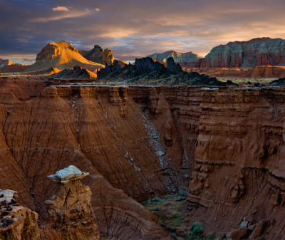 rebloggingforscience:  Capitol Reef National Park, Utah.
