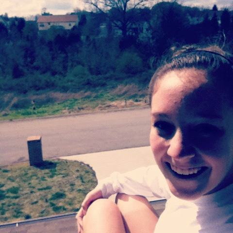 I look atrocious but I figured out how to get on my roof and it feels wonderful outside and my mom bought orange juice and it's overall been a fab day.