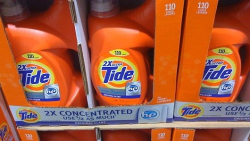 positivelypersistentteach:  mothernaturenetwork:  Tide detergent thefts sweep nationAuthorities and retailers across the country are on high alert as a most unlikely product, Tide liquid laundry detergent, becomes all the rage with shoplifters who are reselling it on the black market.  There's a black market for Tide.  Please realize that something here in the U.S. needs to change.  I'd make a joke out drugs and dilution but this is actually sad.