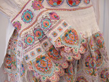 gentlethrills:  ritajardon: croatian embroidered dress {via costumes and costume pieces from the Stefni Agin collection}