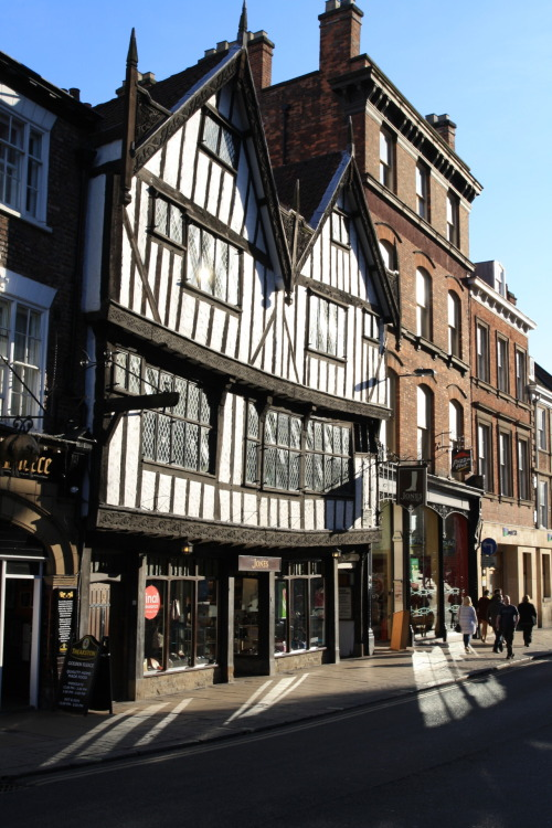 monkeysee-monkeydo:  Tudor building, York