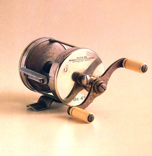oldfishingphotos:  Heddon 45 Baitcasting Reel, 1904  Source: Fishing Tackle for Collectors