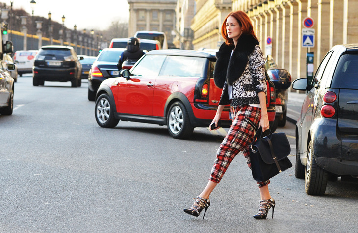 clubmonaco:  Check out Taylor Tomasi Hill rocking the Tommy Ton for Club Monaco messenger bag during Paris Fashion Week.
