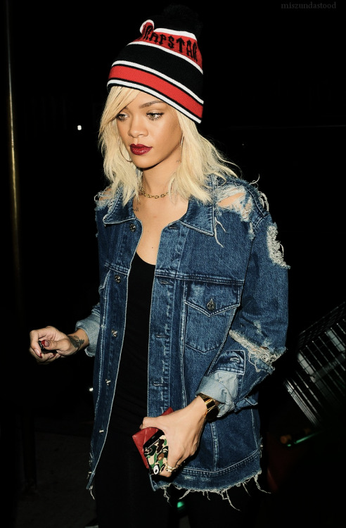 Rihanna in NYC Currently in love with all Rihanna's recent outfits! Peep the Bape iPhone sticker and Chanel card holder!